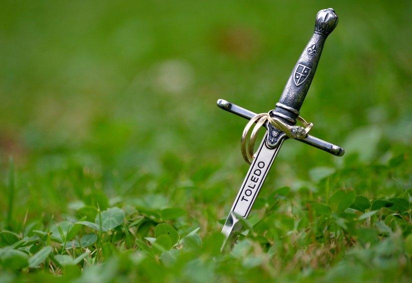 sword-1058402_1280